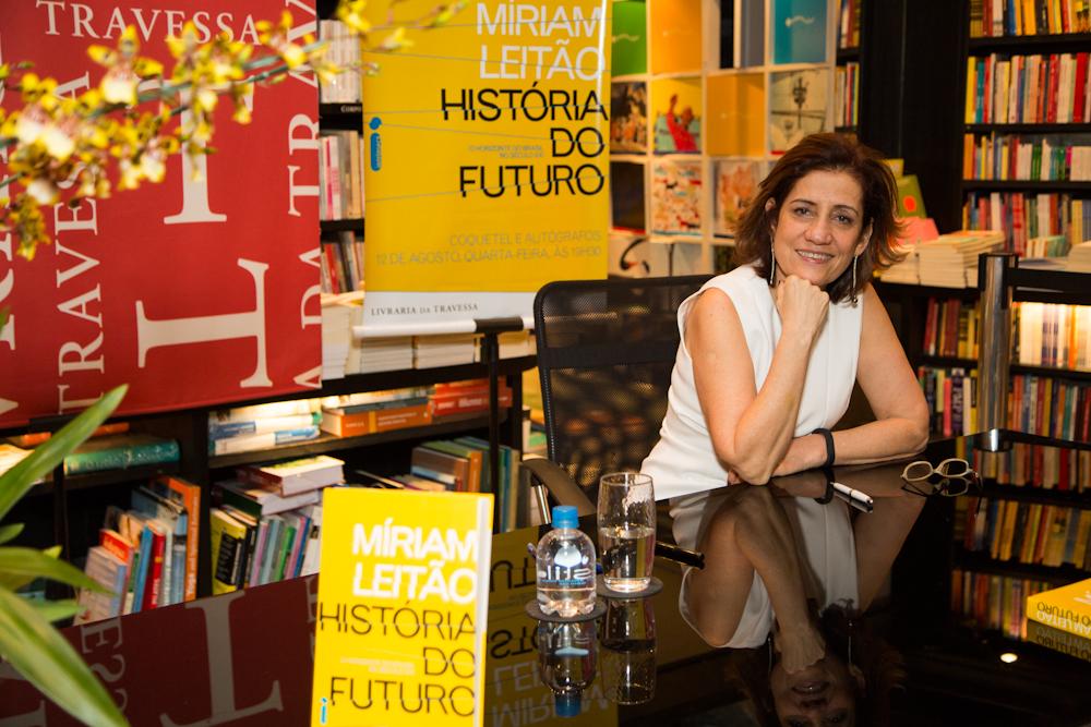 """Lançamento de """"História do Futuro"""" no Rio de Janeiro"""