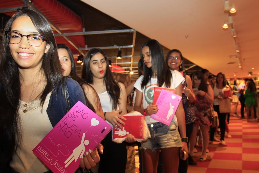 Sessão de autógrafos de Não se iluda, não em Brasília