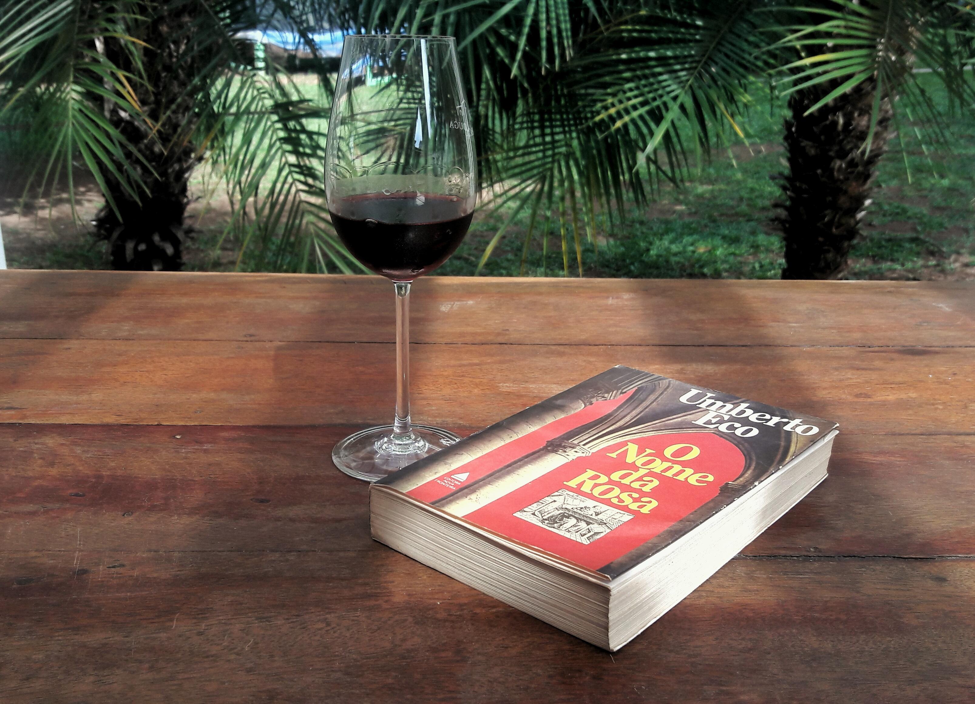 O Nome da Rosa e Vinho - por Maurício Gomyde