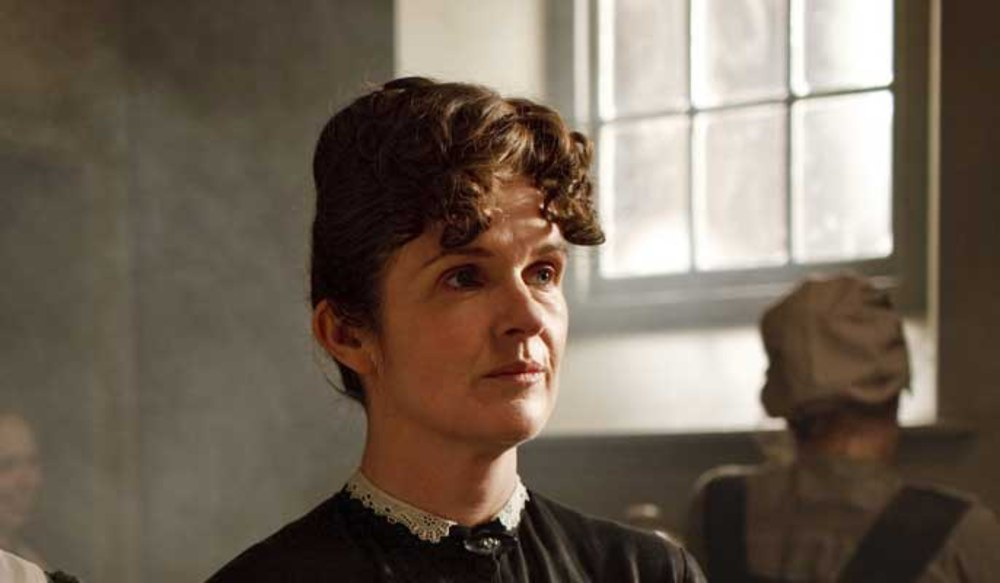 revealed-why-downton-abbey-s-evil-maid-o-brien-has-quit-the-312827_w1000