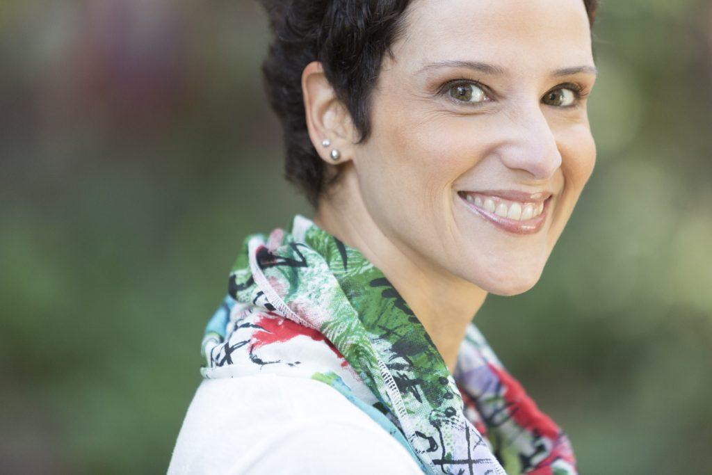 A economista Monica de Bolle analisa o mergulho brasileiro na crise