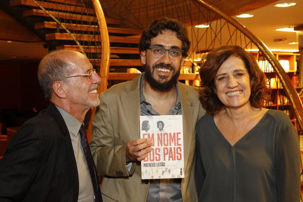 Confira as fotos do lançamento de Em nome dos pais em Brasília