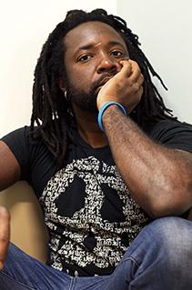 Marlon James e William Finnegan na Flip de maior diversidade