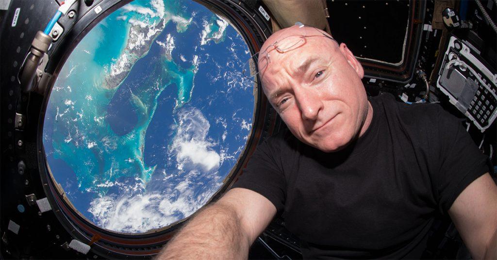 10 experiências que acontecem se você passa um ano no espaço