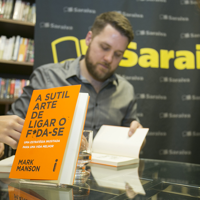 Confira as fotos do bate-papo com o autor de A sutil arte de ligar o f*da-se em São Paulo