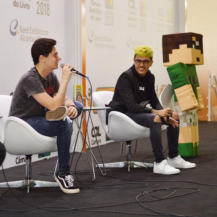 Confira as fotos do evento com Pac e Mike na Bienal do Livro São Paulo 2018
