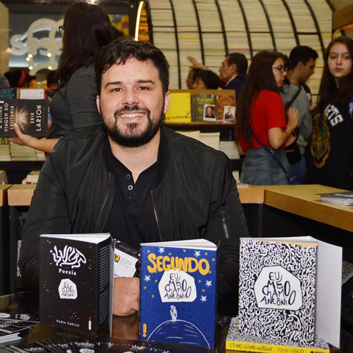 Confira as fotos do evento com Pedro Gabriel na Bienal do Livro de São Paulo 2018