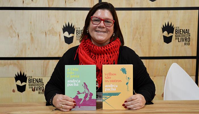 Confira as fotos da sessão de autógrafos com Andréa Pachá na Bienal do Livro Rio 2019