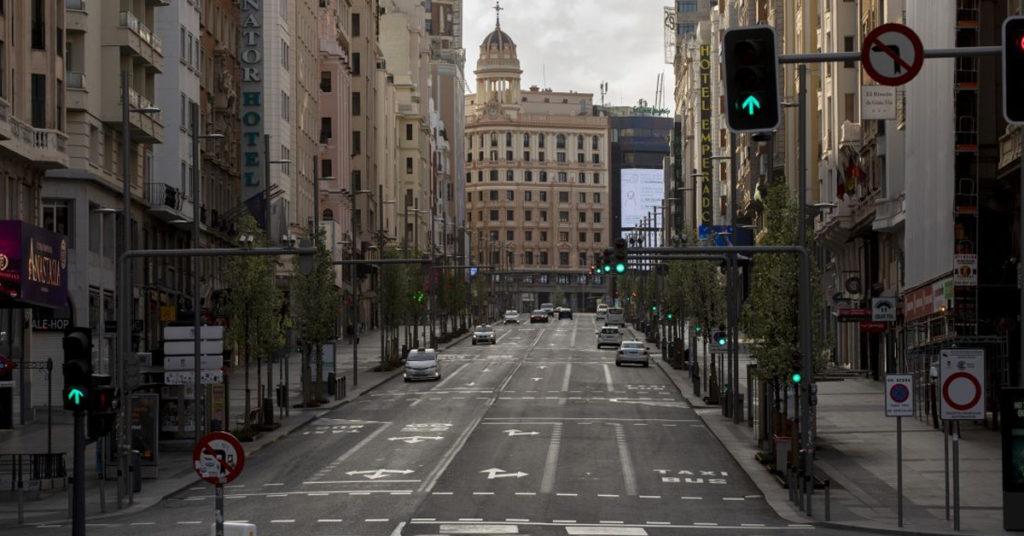 Uma Espanha confinada que não pode enterrar seus mortos