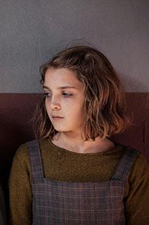 Novo livro de Elena Ferrante será adaptado para série da Netflix