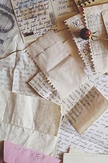 """Leia as cartas extras de """"A troca"""", novo livro da autora de """"Teto para dois"""""""